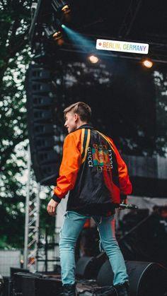 Johnny Orlando Instagram, Musically Star, Carson Lueders, Mackenzie Ziegler, Johnny Was, Music Lovers, Justin Bieber, How To Look Better, Bomber Jacket