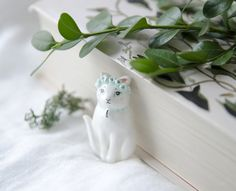You can find this brooch MsBirdieshop on #etsy #cat #catbrooch #catjewelry #cutecat #kawaii #cutejewelry #kittycat #kitty #lovelycat #catpin #etsyseller #etsyfinds