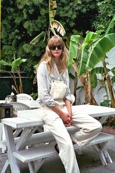17 Ways To Wear White Overalls