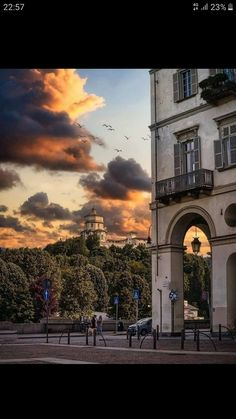 Turin, Sunrise, Clouds, Mansions, House Styles, Fun Things, Outdoor, Sunsets, Beautiful
