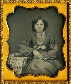 Gorgeous-1854-Daguerreotype-of-a-Beautiful-Woman-Adorned-in-Golden-Jewelry
