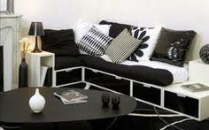 para pisos pequeños o para personas a las que les gusta tener muchos sitios donde guardar cosas. Sofa ideal con cajones!!