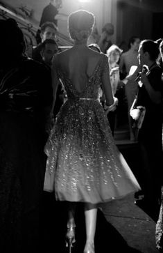 Old style glamour Sweater Weather, Pretty Dresses, Beautiful Dresses, Sparkly Dresses, Gorgeous Dress, Prom Dresses, Wedding Dresses, Moda Chic, Jolie Photo