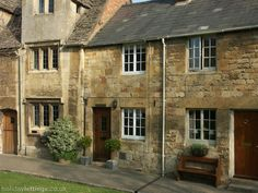 2 bedroom cottage in Chipping Campden to rent from £430 pw. With TV and DVD.