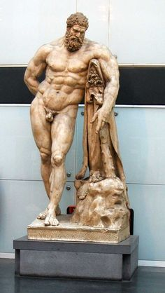 Hercules Farnese, Napoli Metro