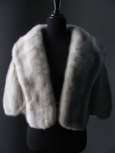 $680 - Ultimate Luxury Gift Or Wedding Bridal Accessories / Hollywood Starlet Grey Blue Iris Azurene Mink Fur Bolero/Vintage Stole Cape Coat/Silver