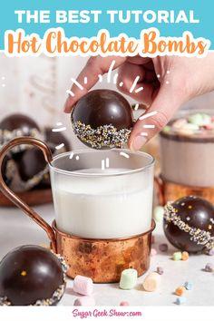 Chocolate Cacao, Hot Chocolate Gifts, Christmas Hot Chocolate, Hot Chocolate Bars, Hot Chocolate Mix, Hot Chocolate Recipes, Christmas Sweets, Christmas Baking, Melting Chocolate