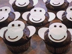 de mobil The post Affen-Muffins appeared first on Kindergeburtstag ideen. Cake Cookies, Cupcake Cakes, Monkey Cupcakes, Timmy Time, Food Humor, Health Desserts, Diy Birthday, Party Snacks, Muffin Recipes
