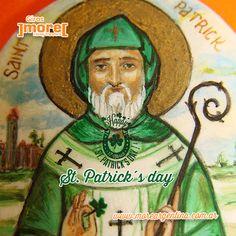 St. Patrick's Day - Día del santo patrón de Irlanda fallecido el 17 de marzo del año 493 d.C.   Un poco por los inmigrantes, otro tanto por moda, los festejos por el día del santo irlandés cada año se extienden más. Muchos se reúnen, disfrutan espectáculos celtas y degustan cerveza. Las ciudades se visten de verde y se disfruta de la gastronomía irlandesa, desfiles y de la cerveza irlandesa.