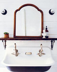 Bathroom , Timeless Vintage Bathroom Fixtures : Bathroom With Vintage Sink  Andu2026