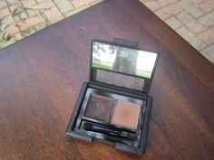 Elf eyebrow kit in Dark. Used a couple of times but wrong shade. $1.5 or swap.