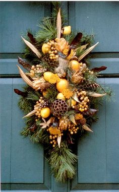 Williamsburg Plaque Featuring Fruit and Natural Materials - Consists of magnolia leaves, twigs of white pine, pods, fruit and more. Fall Crafts, Christmas Crafts, Christmas Decorations, Holiday Decor, Coastal Christmas, Christmas Swags, Xmas Wreaths, Christmas 2017, Okra Crafts