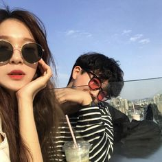 Find images and videos about love, couple and korean on We Heart It - the app to get lost in what you love. Korean Best Friends, Boy And Girl Best Friends, Couple Ulzzang, Ulzzang Girl, Korean Couple, Best Couple, Cute Couples Goals, Couples In Love, Cute Korean