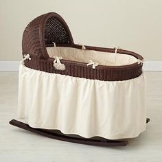 Baby Furniture: Baby Bassinet Organic Bedding