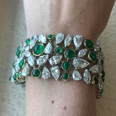 Diamonds (and emeralds) are a girls best friend. A gorgeous Julius Cohen emerald and diamond bracelet is a highlight in our Fine Jewels Auction, May 3. Estimate $75,000-125,000. Click the link in our profile to view the complete catalog. -- #juliuscohen #emeralds #diamonds #bracelet #finejewelry #jewelryauction