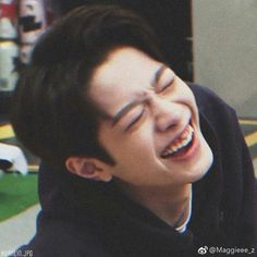 Chines Drama, Rapper, He Is My Everything, Guan Lin, Memes Funny Faces, Lai Guanlin, Kim Jaehwan, Cute Poses, Golden Child