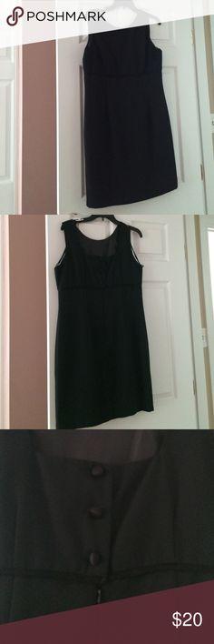 JSJ Petites black dress 100% Polyester (60% Acetate and 40% Rayon) Lining is 100% a Polyester JSJ Petites Dresses Midi