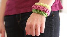 Easy finger knitting bracelets step-by-step