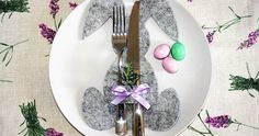 Rabbit cutlery for the Easter table Happy Easter, Easter Bunny, Spring Home Decor, Easter Table, Deco Table, Felt Diy, Easter Crafts, Diy And Crafts, Christmas Bulbs