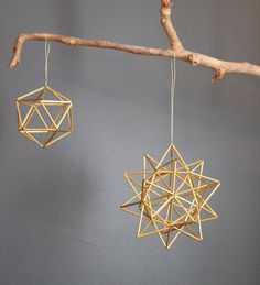 Brass Pollen ball mobile - finnish himmeli sculpture - MEDIUM - sphere -- wonder if i can make something similarSet of 3 - Geometric air plant wall hangers - Brass Planter - Scandinavian himmeli mobile Set of 3 - Geometric air plant wall hangers - . Straw Decorations, Straw Crafts, Brass Planter, Diy Accessoires, Diy Décoration, Plant Wall, Wall Hanger, Mobiles, Geometric Shapes
