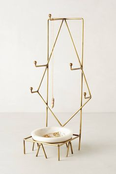 Chic Jewelry Stands with Sculptural Style
