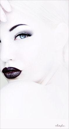 White by VoyageVisuelle
