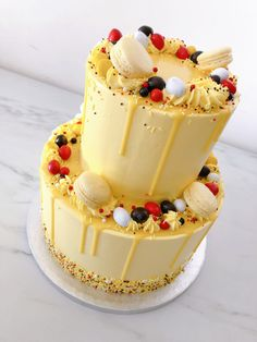 Lemon Birthday Cakes, 14th Birthday Cakes, Bolo Drip Cake, Drip Cakes, Pretty Cakes, Cute Cakes, Teen Cakes, Birthday Cake Decorating, Pumpkin Spice Cupcakes