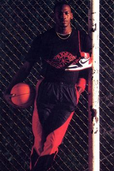 "Michael Jordan Mid Nike Air Jordan Promo Shot // Jordan Brand Announces the Return of the Air Jordan 1 Retro High ""Banned"" - EU Kicks: Sneaker Magazine Nike Air Jordan, Michael Jordan Basketball, Love And Basketball, Basketball Shoes, Basketball Stuff, Basketball Court, Nba Players, Basketball Players, Basketball Leagues"