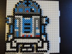 R2-D2 aus Bügelperlen Perler Beads