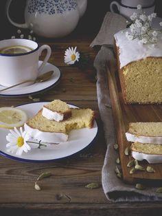 Lemon Cardamom Tea Cake (Bizcocho de limón y cardamomo)
