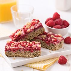 Raspberry lunch bar , Raspberry Breakfast Bar - Recipes - Cooking and Nutrition - Pratico Pratiques. Raspberry Breakfast, Healthy Breakfast Muffins, Snack Recipes, Dessert Recipes, Cooking Recipes, Snacks, Bar Recipes, Tomate Mozzarella, Candy Cakes
