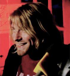 Kurt Cobain. Such a sweet smile.