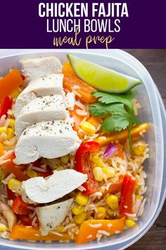 Make these chicken fajita lunch bowls for healthy lunches through the week! This recipe combines bell peppers, baked chicken breast and rice with a delicious fajita-vinaigrette. #mealprep #mealpreplunch #lunchmealplan #lunchbowl #fajitabowl #healthyfajitas #sweetpeasandsaffron Lunch Meal Prep, Meal Prep Bowls, Healthy Meal Prep, Healthy Eating, Healthy Lunches, Lunch Bowl Recipe, Lunch Recipes, Cooking Recipes, Healthy Recipes