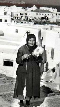 #Mykonos ,'60's. Mykonos Island, Mykonos Greece, Athens Greece, Santorini, Greece Pictures, Old Pictures, Greek Crafts, Old Time Photos, Greece Photography