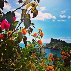 Is this real life?! @ #ResidenceTerraRossa #Taormina #Sicily #travel  www.fleetinglife.com