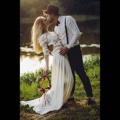 pinned: @agatumi : Jadąc do Anity z sukienką Karoliny Twardowskiej nie przypuszczałam, że z Nowym Rokiem otworze swój salon sukien ślubnych polskich projektantów! PaPanna - pora zacząć spełniać marzenia! #papanna #pannypapanny #suknieslubne #bride #ślub #sayyestothedress @pa_panna