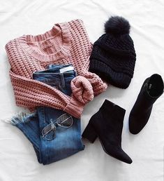 19 Cute and Cozy Oversized Sweater Outfits - - - Oversized sweater outfits are needed in fall. Knit sweaters,sweater dresses, turtleneck sweaters and more all come oversized and we know where to get them! Cute Winter Outfits, Winter Fashion Outfits, Cute Casual Outfits, Look Fashion, Pretty Outfits, Stylish Outfits, Street Fashion, Asian Fashion, Fashion Mode