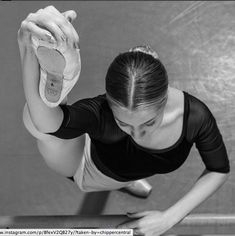 Music Arte Dance Ballet Dancers 20 New Ideas Flamenco Dancers, Ballet Dancers, Ballet Barre, Hip Hop Outfits, Dance Outfits, Ballet Photography, Photography Poses, Tango, Ballet Feet