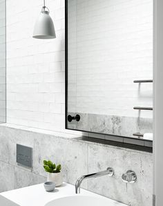 A luxurious Portsea house from Mim Design stands as a soothing statement of modern design against the wild ocean. Stone Bathroom, Bathroom Renos, Bathroom Interior, Modern Bathroom, Small Bathroom, Design Bathroom, Ikea Bathroom, Remodel Bathroom, Washroom