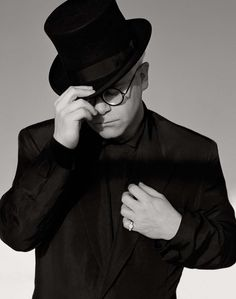 Can't wait to see @EltonJohnDotCom perform at the @iHeartRadio #Music Fest in #Vegas @Vacation Express @Marsha Moody