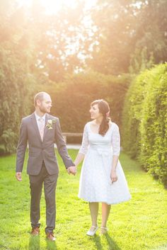 A Country Garden Inspired Wedding with a Vintage Dress, PInk Ombre Cake and Maids in Floral Frocks Dresses Uk, Vintage Dresses, Floral Frocks, Wedding Bridesmaid Dresses, Wedding Blog, Wedding Inspiration, Wedding Photography, Pink, 1950s