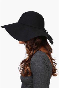 Floppy oversized hat