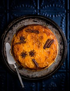 This spiced clementine upside-down cake is great served warm with greek yogurt as pud, or just as an afternoon treat. The whole spices make it look really stunning when you turn it out Clementine Recipes, Clementine Cake, Citrus Recipes, Cake Recipes, Dessert Recipes, Desserts, A Food, Food And Drink, Chocolate