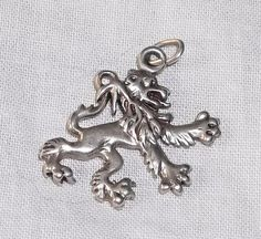 VINTAGE Silver LION RAMPANT 2-Sided Charm - Royal Heraldry #Unbranded