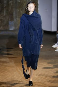 See the complete Creatures of Comfort Fall 2016 Ready-to-Wear collection.