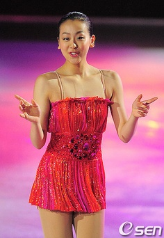 Mao Asada - Medalist on Ice, S.Korea 2010 -figure skating by costagiovanniv, via Flickr