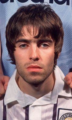 Liam And Noel, Liam Gallagher, British Rock, Bae, Britpop, Wonderwall, Music Icon, John Lennon, Rolling Stones