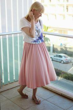 Midi skirt outfit / Kotisaari