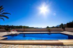Gezellige vakantievilla met een zeer mooie buitenruimte, prive zwembad en buitenkeuken