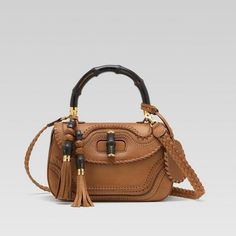 I love this bag by Gucci Gucci Purses, Gucci Handbags, Gucci Bags, Gucci Gucci, Gucci Bamboo, Leather Hats, My Bags, Fashion Bags, Bucket Bag